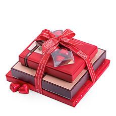 Deze chocoladetoren biedt een waaier aan zachte pralines van donkere, witte en melkchocolade in alle vormen en maten.