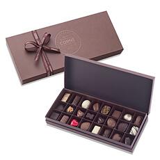 Diese elegante Geschenkkiste bietet eine Auswahl an 24 weißen, Milch- und dunklen Schokoladepralinen.